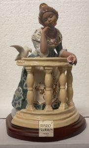 Figuras de porcelana - Fallera Asomada al balcón - Mario Torres - Valencia