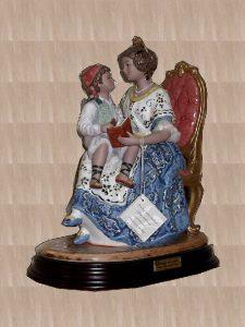 Figuras de porcelana - Valenciana contant un comte - Valenciana contando un cuento - Mario Torres - Valencia