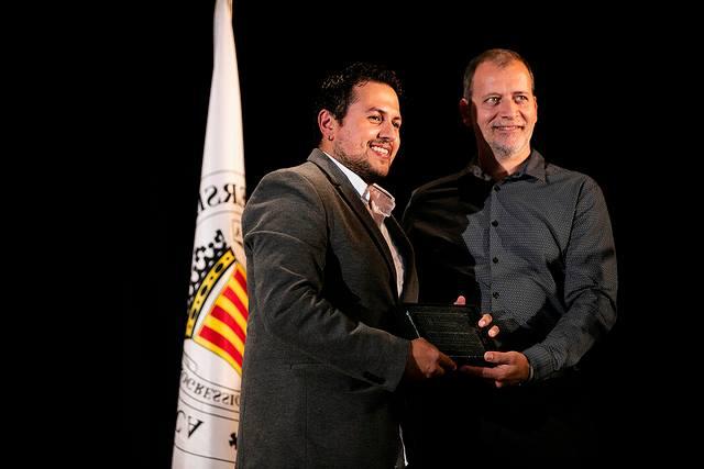 Col·legi de Bibliotecaris de la Comunitat Valenciana hace entrega de los reconocimientos a sus Másters - Mario Torres  Artesania - Valencia